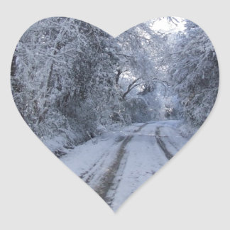 Nieve de la carretera nacional pegatina en forma de corazón