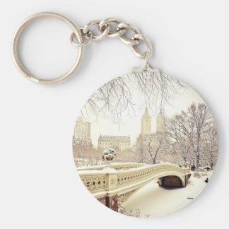 Nieve del Central Park - invierno Nueva York Llavero Redondo Tipo Pin