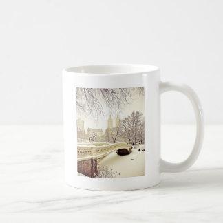 Nieve del Central Park - invierno Nueva York Tazas De Café