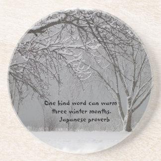 Nieve del invierno con proverbio japonés posavasos diseño