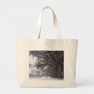 nieve del invierno del Lincoln memorial Bolsa De Mano