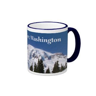 Nieve en la montaña taza de dos colores