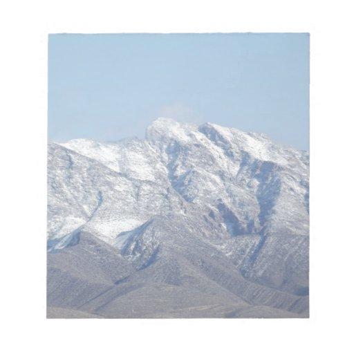 Nieve en las montañas del desierto blocs