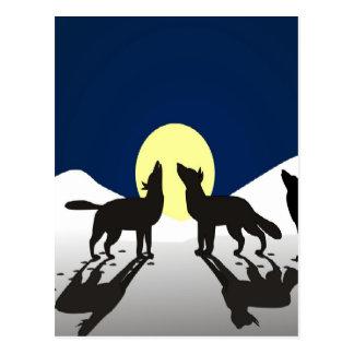 nieve y luna del invierno del aullido de los lobos tarjeta postal