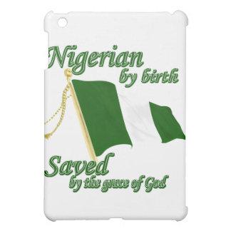 Nigeriano por el nacimiento ahorrado por la gracia