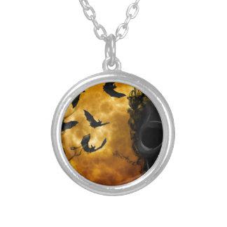 night-9951-scarry round pendant necklace