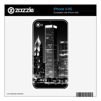 Night view of Chicago's famous cityscape iPhone 4 Skin