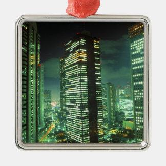 Nightscape, Shinjuku, Tokio, Japón Adorno Cuadrado Plateado