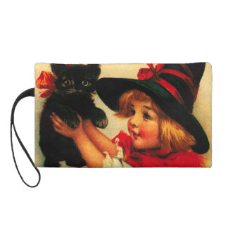 Niña con su gato negro