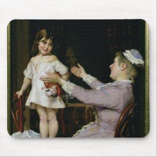 Niña con una muñeca y su enfermera, 1896 tapete de ratón
