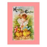 Niña del vintage y polluelos de Pascua Postal