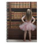 niña en cubiertas de libro de lectura del tutú libros de apuntes con espiral