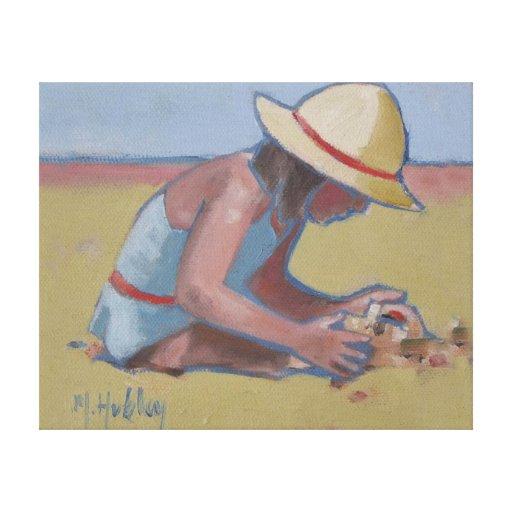 Niña linda que juega en arena impresion de lienzo