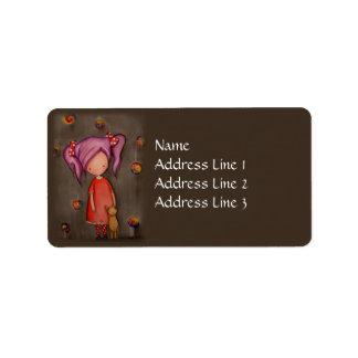 Niña púrpura del pelo con la etiqueta de dirección