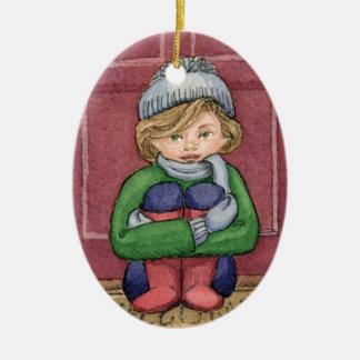 Niña vestida para el invierno - ornamento oval adorno navideño ovalado de cerámica