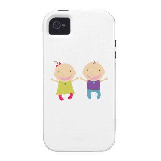 Niña y muchacho iPhone 4 fundas