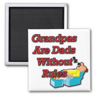 Ningún abuelo de la regla imán cuadrado