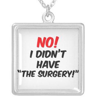 Ningún collar de la cirugía