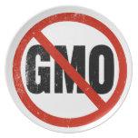 Ningún GMO, no GMO, marzo contra Monsanto Platos Para Fiestas