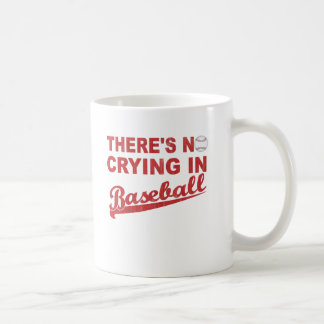 Ningún griterío en el béisbol (vino-rojo) taza básica blanca