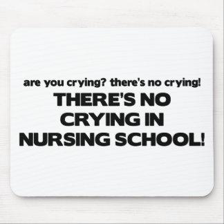 Ningún griterío en escuela de enfermería tapete de raton