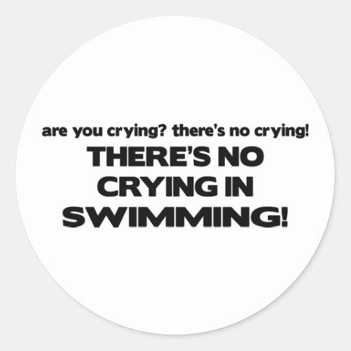 Ningún griterío - natación pegatina redonda