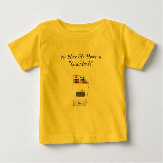 """Ningún lugar tiene gusto a casa en la """"abuela """" tee shirt"""