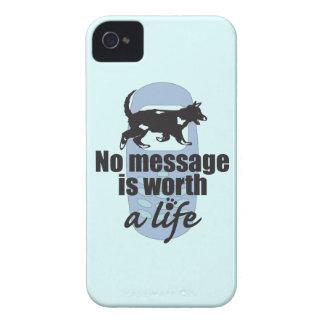 Ningún mensaje vale una vida Case-Mate iPhone 4 cárcasas