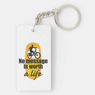 Ningún mensaje vale una vida llavero rectangular acrílico a doble cara
