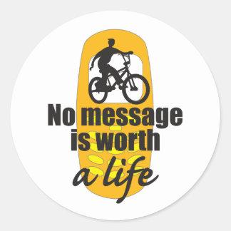 Ningún mensaje vale una vida pegatinas redondas