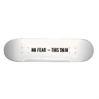 ningún miedo = esta cubierta del ir de discotecas skate board