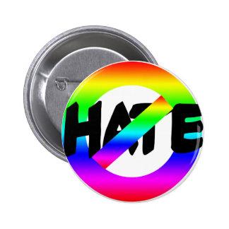 Ningún odio con colores del arco iris en las camis pin
