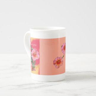 Ninguna disculpa por maldecir como una señora taza de porcelana