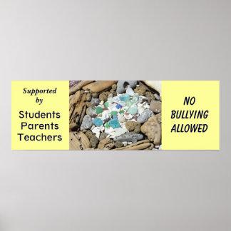 Ninguna escuela permitida de los posters que tiran