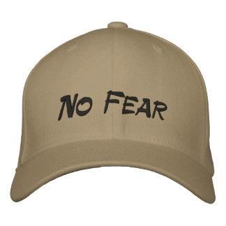 Ninguna gorra de béisbol del moreno del logotipo