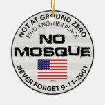 Ninguna mezquita en el punto cero ornamento de navidad