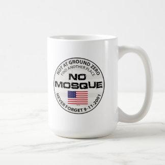 Ninguna mezquita en el punto cero taza