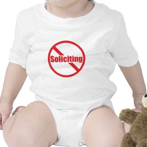 Ninguna solicitación traje de bebé
