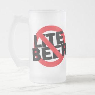 Ninguna taza de cerveza divertida de la cerveza de