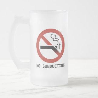Ninguna taza helada logotipo Subducting