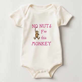 Ningunas nueces para este mono-rosado body para bebé