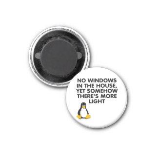 Ningunas ventanas en la casa… imán redondo 3 cm