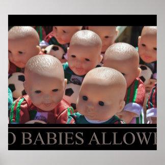 Ningunos bebés permitidos póster