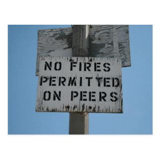 Ningunos fuegos postales