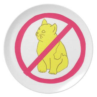 Ningunos gatos no prohibidos la placa platos