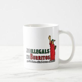 Ningunos Illegals ningún humor de la inmigración d Tazas