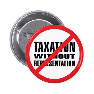 Ningunos impuestos sin la representación pin redondo de 2 pulgadas