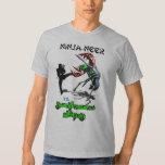 Ninja-neer contra la camiseta de la interferencia remeras