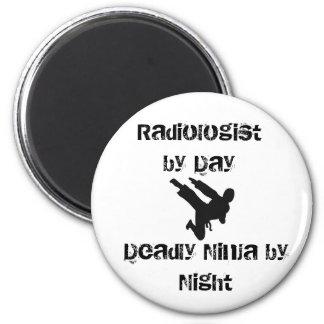 ninja, radiólogo por el día, Ninja mortal por noch Imán Redondo 5 Cm