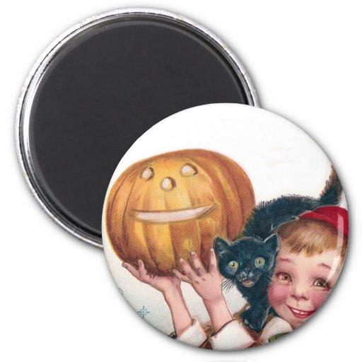 Niño con el gato y Jack O'Lantern Imán Redondo 5 Cm